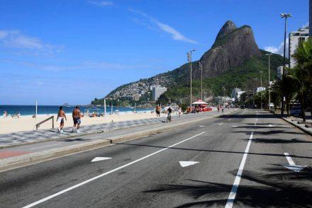 Avenida da praia no Leblon