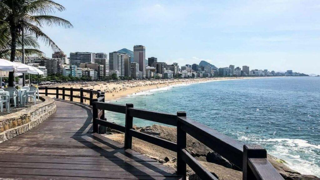 vista da praia do Leblon e praia de Ipanema