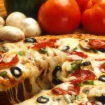 pizza com tomates e cogumelo forneria original