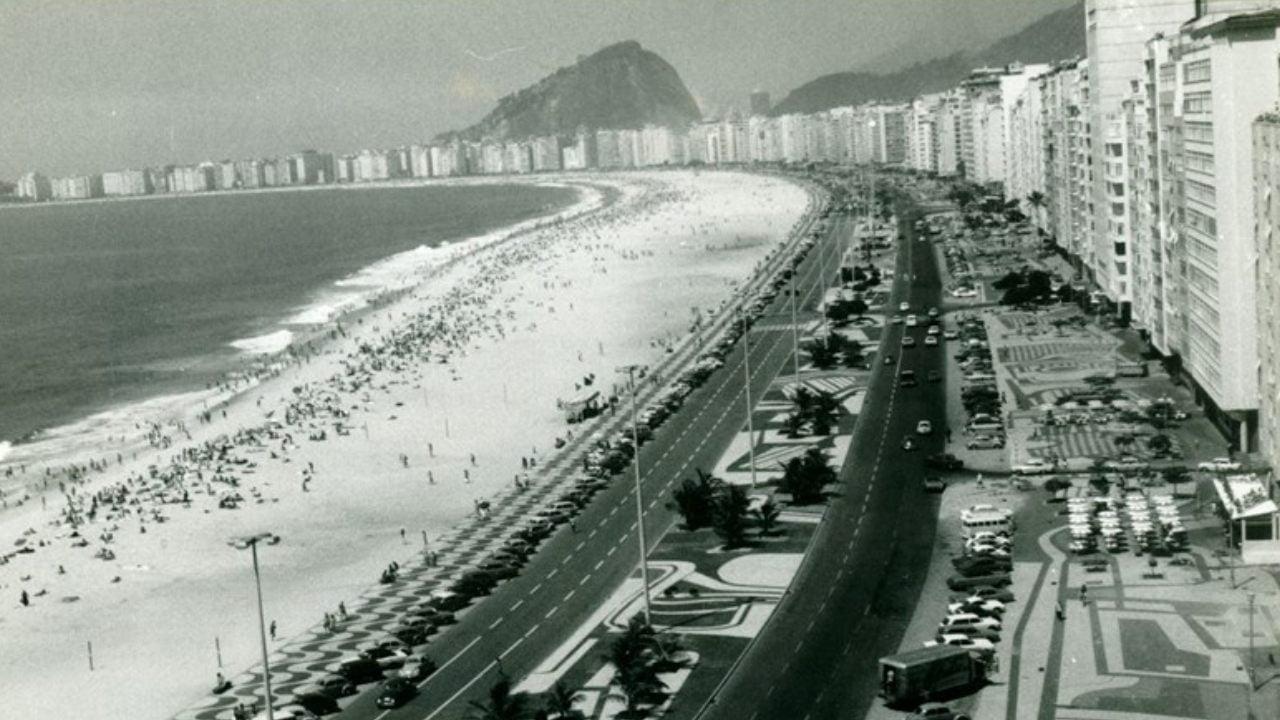 avenida atlantica morar em copacabana no rio de janeiro